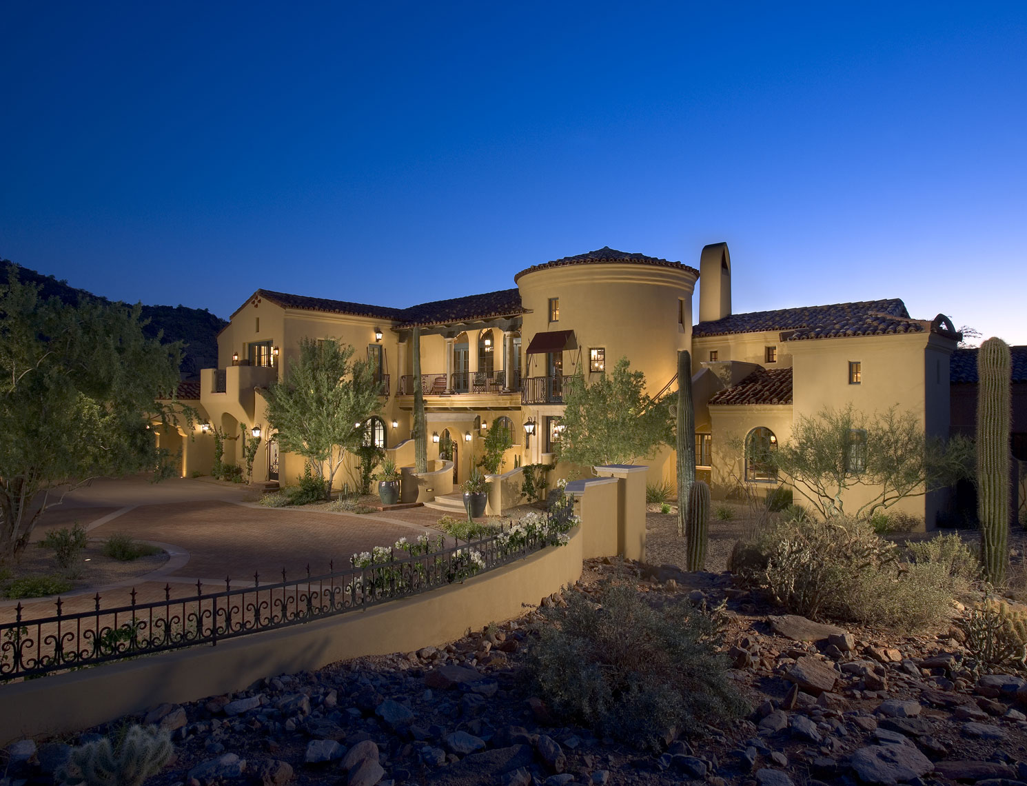Luxury Custom Homes Architects | Paradise Valley Arizona | Dale Gardon  Design