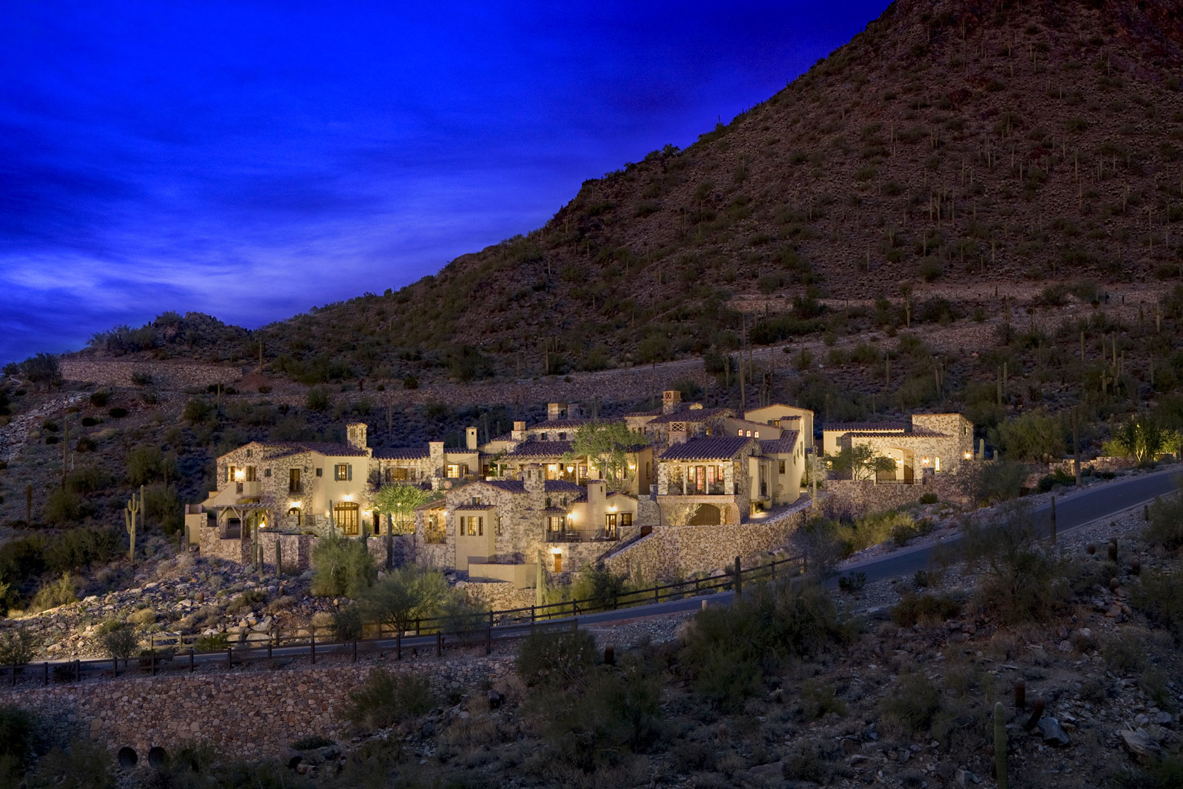 Traditional Design Architecture | Paradise Valley Arizona | Dale Gardon Design